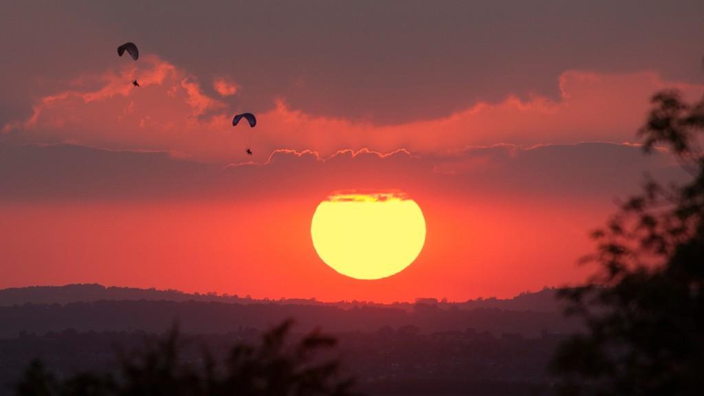 Paramotors at sunset, Kimberley, Nottinghamshire